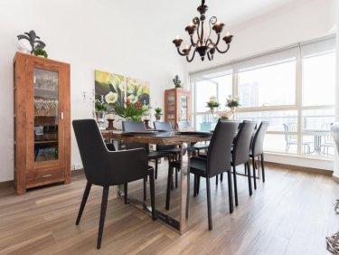 Fully Upgraded Rare Three-Bedroom Duplex in Marina Quays