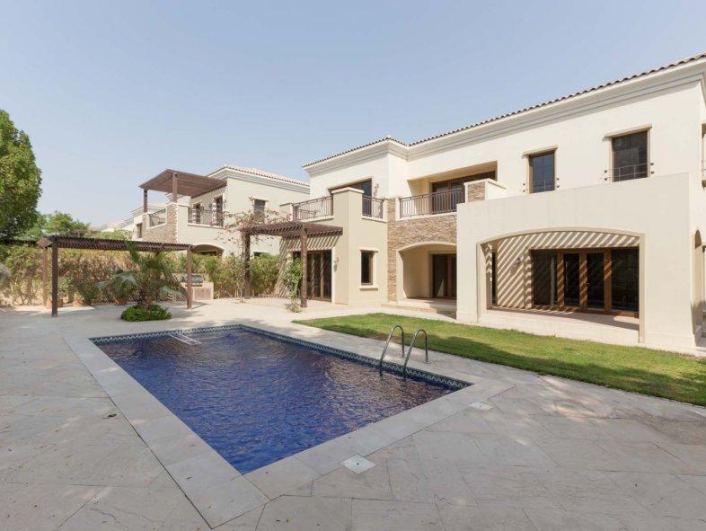 Villa in Jumeirah Golf Estates