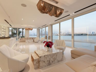 Most sought-after beach front villa on the Palm Jumeirah