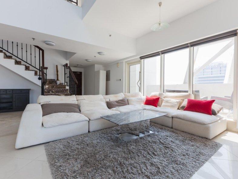 Duplex in Jumeirah Lake Towers