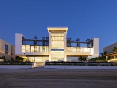 5 BR Beach Villa with Atlantis & Sunset View