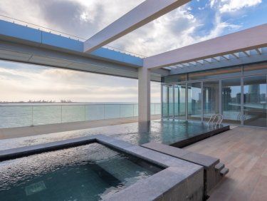 Stunning Sea Views 5 Bed Iconic Penthouse