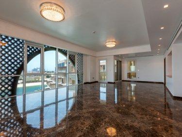 Elegant 3 BR Apartment in Marina Residences