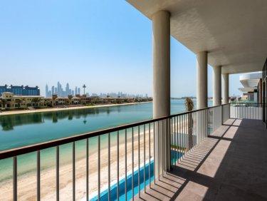 New, custom-built villa on Palm Jumeirah