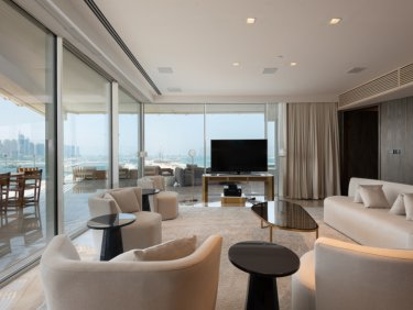 Gorgeous 3 Bedroom Penthouse with Private Pool