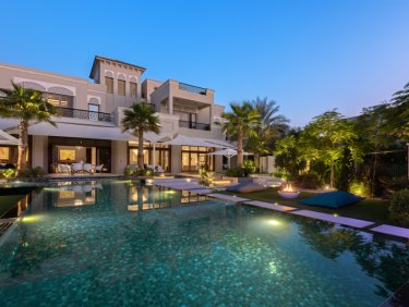 Al Barari villa | one of the most extravagant gardens in the development