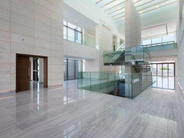Luxury Mansion   Crystal Lagoon   Contemporary
