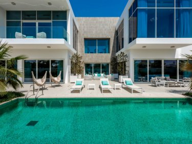 Unfurnished | Contemporary Villa | Vacant