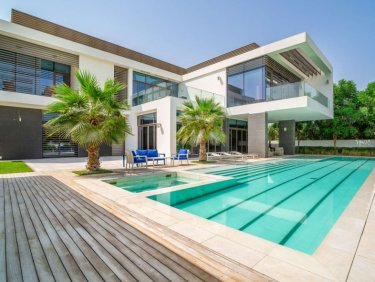 7BR Contemporary Mansion near Crystal Lagoon