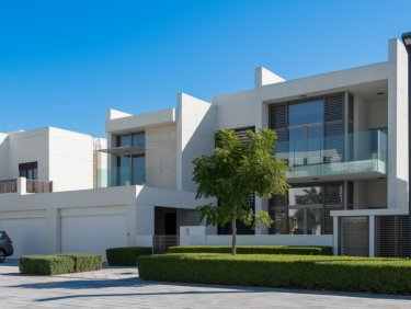 Contemporary 6 Bed District One Villa