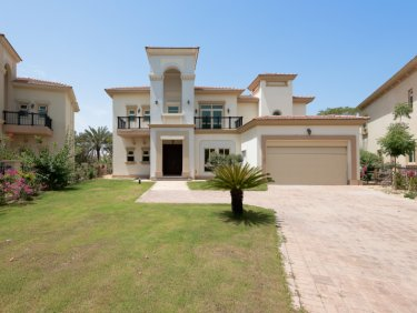 Villa for sale in Jumeirah Islands