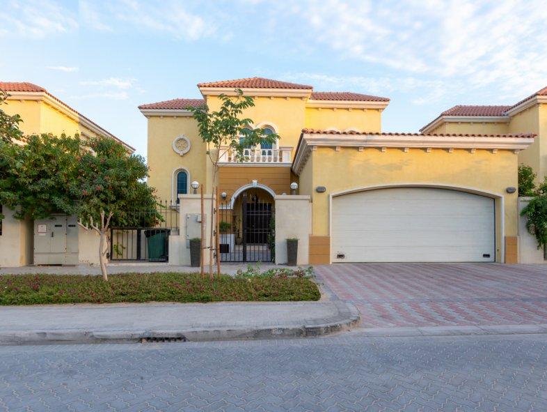 Villa in Jumeirah Park