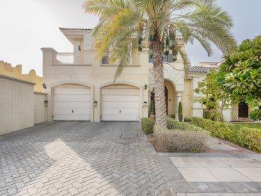 Garden Homes Villa with pool on Palm Jumeirah