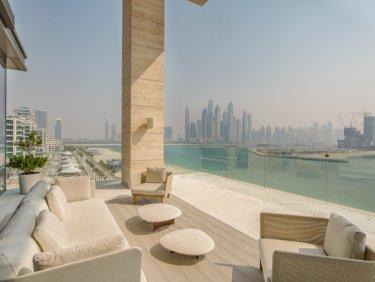 Spacious penthouse apartment on Palm Jumeirah
