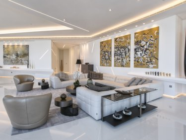 Unique 5 BR Penthouse In Cayan Tower
