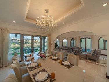 Fully furnished Beachfront villa on Palm Jumeirah
