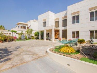 Villa for sale in Emirates Hills