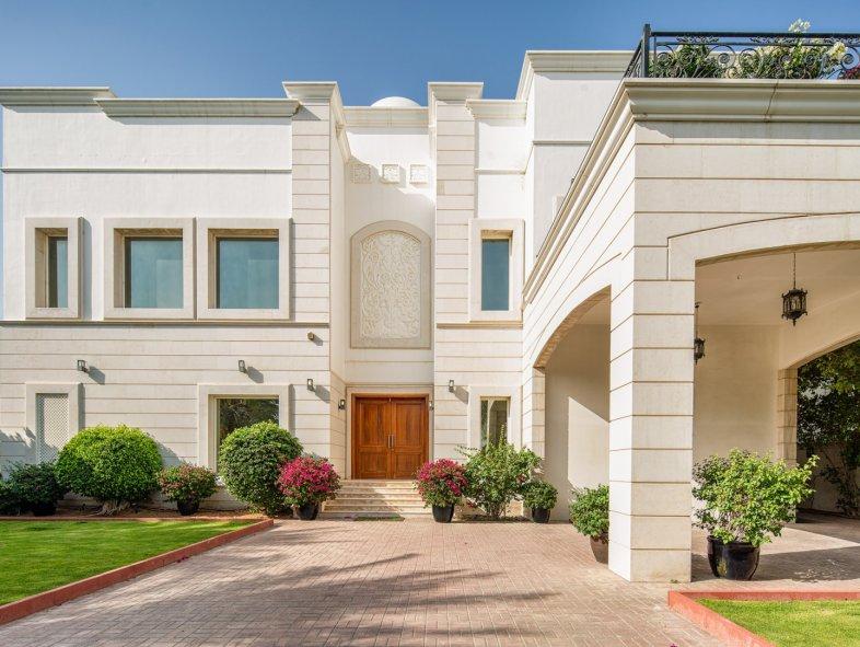 Villa in Emirates Hills