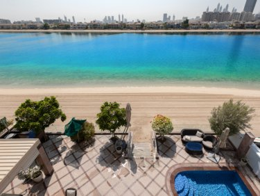 Upgraded garden home villa on Palm Jumeirah