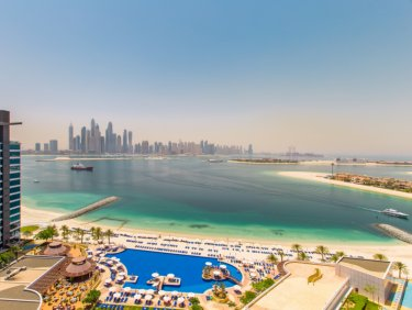 Stunning Dubai Sunsets | Beachfront spacious 1 bed