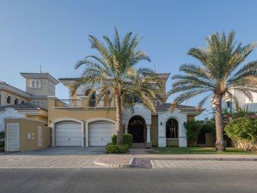 Well Maintained Garden Home villa on Palm Jumeirah