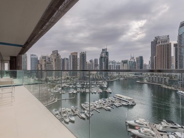 Large Furnished Apartment with Marina view.
