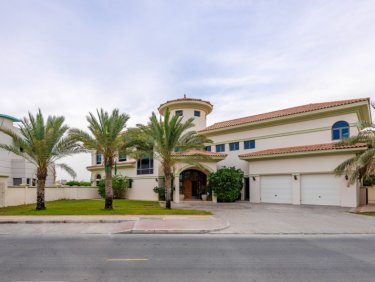 High Number Signature Villa with a great Marina skyline view