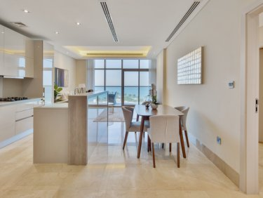 Exquisite sea view apartment on Palm Jumeirah