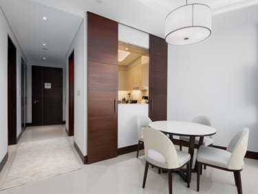 Large 1BR in the iconic Sky View | High Floor