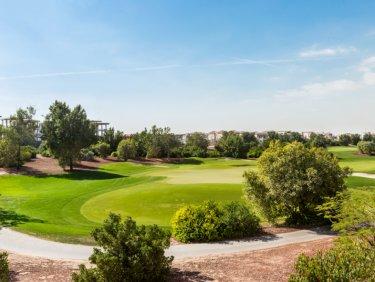 Spacious corner villa in Jumeirah Golf Estates