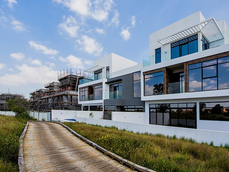 Attached townhouse available for sale in Jumeirah Luxury, Jumeirah Golf Estates